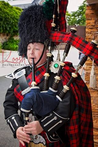 Piper Bagpiper Scottish Glasgow